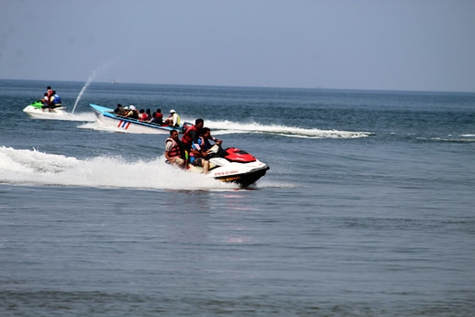 Ganpatipule beach water sports near Beach Flora NA land